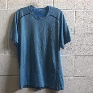 Lululemon men's blue SS top, sz L, 57679